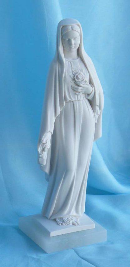 statua della Madonna delle rose altezza 25 cm in marmoresina, cod. 25MDR25MR