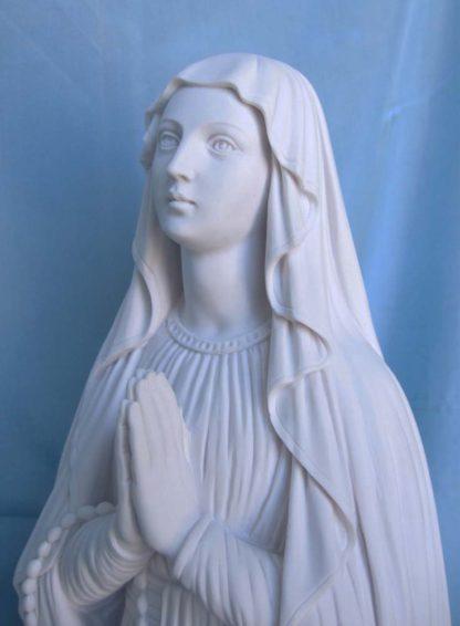Madonna di Lourdes altezza 59 cm in marmoresina, cod. 25MLO60MR, dettaglio