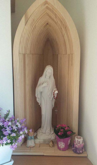 statua della Madonna di Medjugorje altezza 40 cm, cod. 25MMJ40MR, località: Sansepolcro (Arezzo)