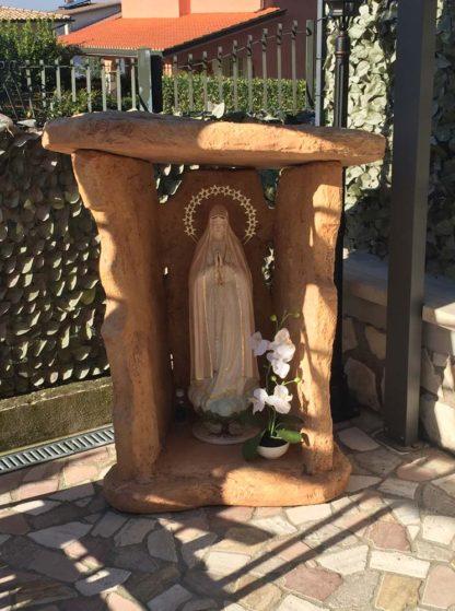 nicchia a scaglie per Madonna, col. mattone, su misura, località: Fonte Nuova (Roma)