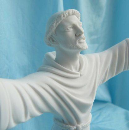 statua di San Francesco altezza 25 cm in marmoresina, cod. 25SFR25MR, dettaglio