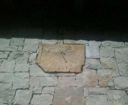 meridiana a parete col. old stone, cod. 08MPOS, località: Travagliato (Brescia)