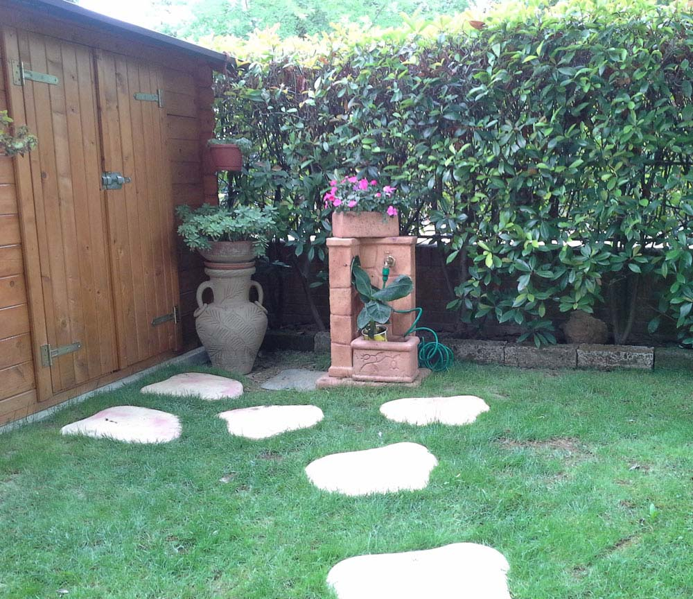 Piastre pedonali cordoli bordure e piastre r c di for Cordoli per giardino