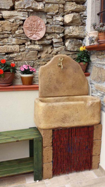 fontana a muro Brunico col. old stone, cod. 03FBOS, località: Stellanello (Savona)