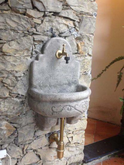 fontana a muro Giudecca con supporto col. antichizzato, cod. 03FMGAT, località: Genova