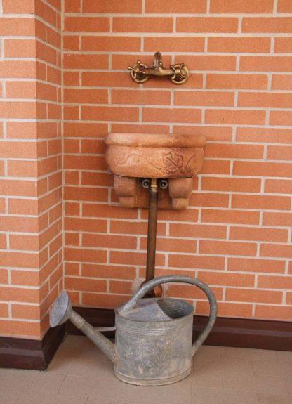 fontana a muro Giudecca con supporto, senza supporto, col. mattone, località: Bologna
