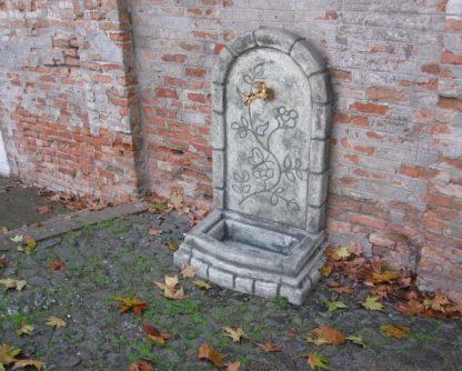 fontana a muro Perugia col. antichizzato, cod. 03FMPAT, località: Lendinara (Rovigo)