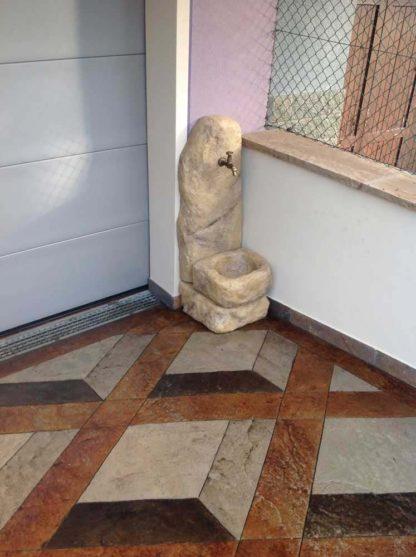 fontana a muro Stelvio su misura col. old stone, località: Chiari (Brescia)