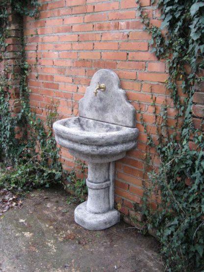 fontana a muro Venezia con supporto col. antichizzato, cod. 03FMVAT, località: Lendinara (Rovigo)