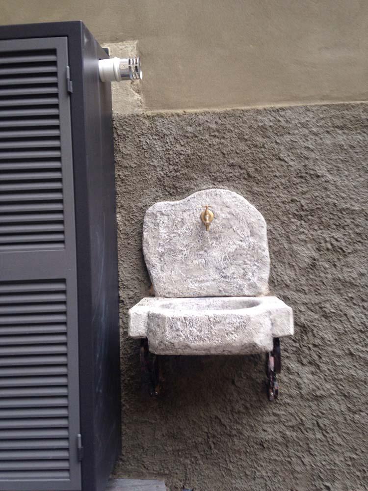 Lavello da giardino anterselva fontane a muro e lavelli for Articoli da giardino milano