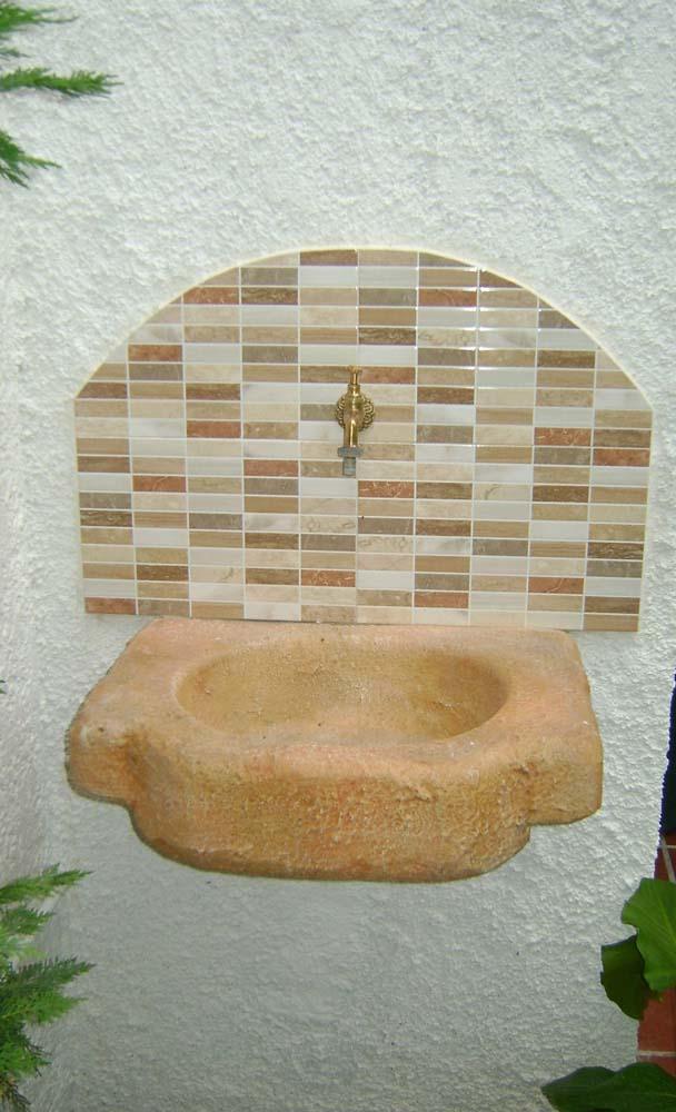 Lavello da giardino anterselva r c di rinaldi geom franco for Vaschetta da esterno
