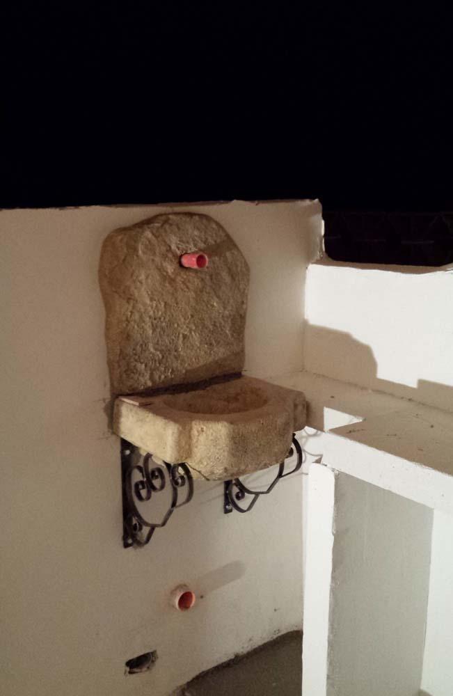 Lavello da giardino usato design casa creativa e mobili - Fontane a muro da giardino ...