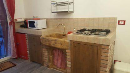 lavello Garda col. old stone, cod. 03LGAOS, utilizzato in una cucina, località: Castrezzone di Muscoline (Brescia)