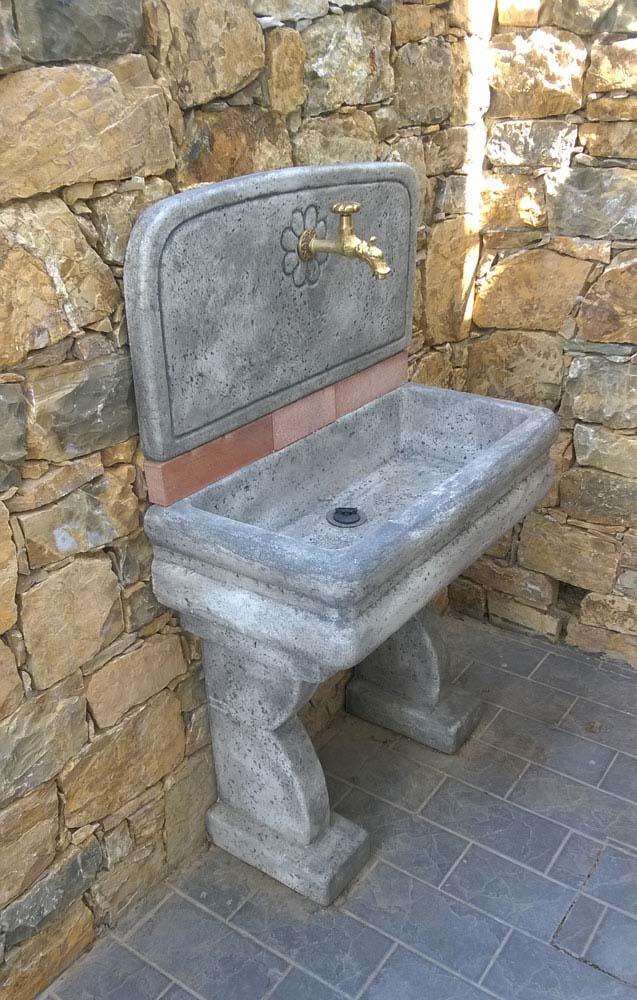 Lavello per esterno r c di rinaldi geom franco - Lavandini in pietra da esterno ...