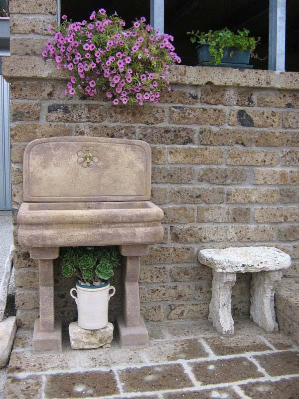 Fontane a muro e lavelli per esterno – R.C. di Rinaldi geom. Franco