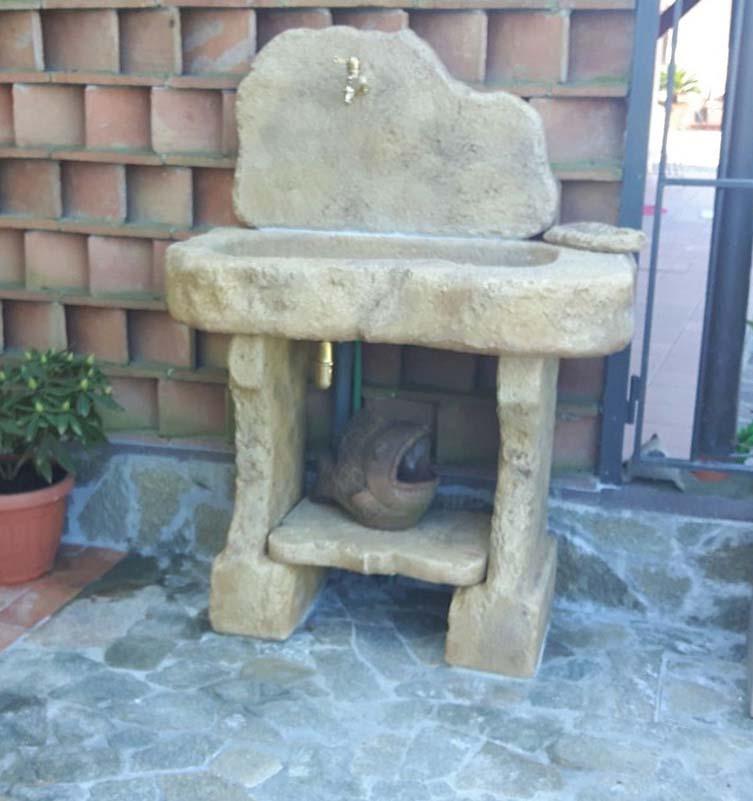 Lavello da giardino tovel con supporti fontane a muro e - Fontane a muro da giardino ...