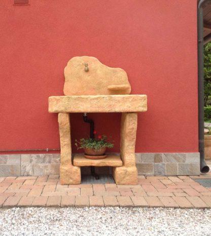 lavello Tovel con supporti col. pietre del borgo, cod. 03LTOP, località: Fratta Polesine (Rovigo)
