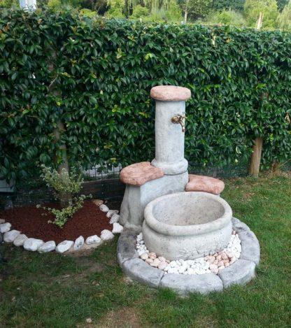 fontana azalea easy con vaso azalea col. antichizzato, località: Mira (Venezia)