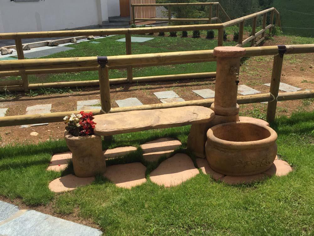 Fontana Azalea Con Panchina R C Di Rinaldi Geom Franco