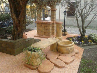 fontana azalea con panchina e lanterna col. old stone, località: Castiglione Olona (Varese)