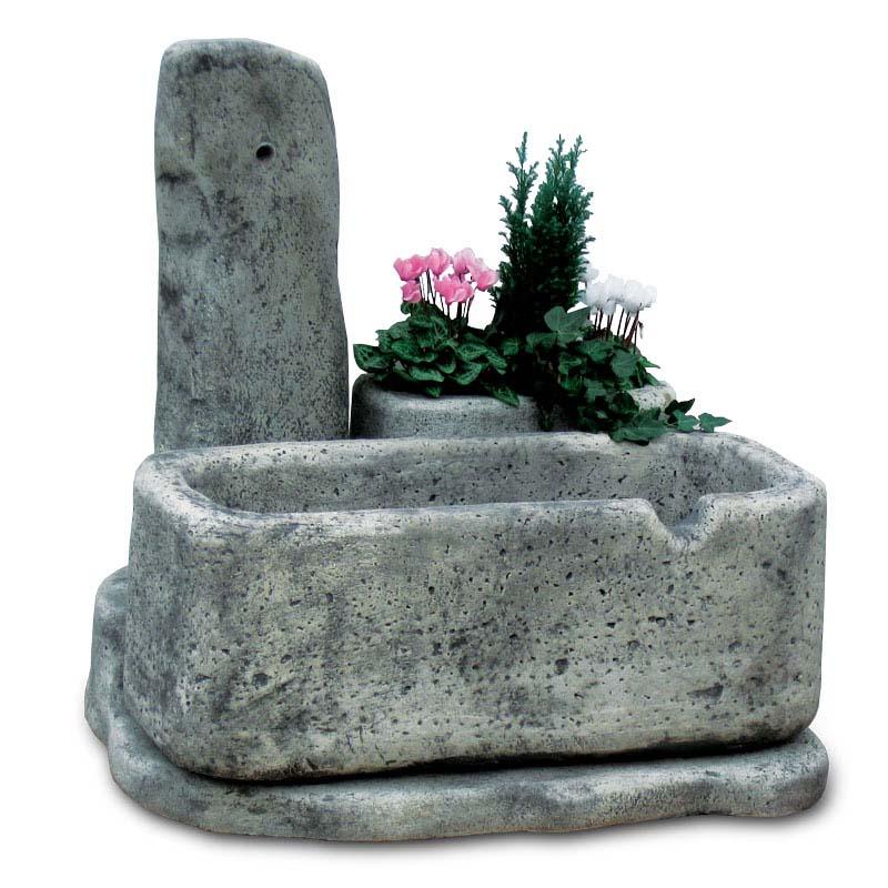 Fontana dolomiti 80 r c di rinaldi geom franco - Fontane da giardino in pietra ...