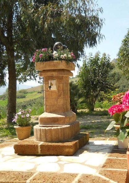 fontana fiorita col. old stone, cod. 03FFOS, località: Ripatransone (Ascoli Piceno)