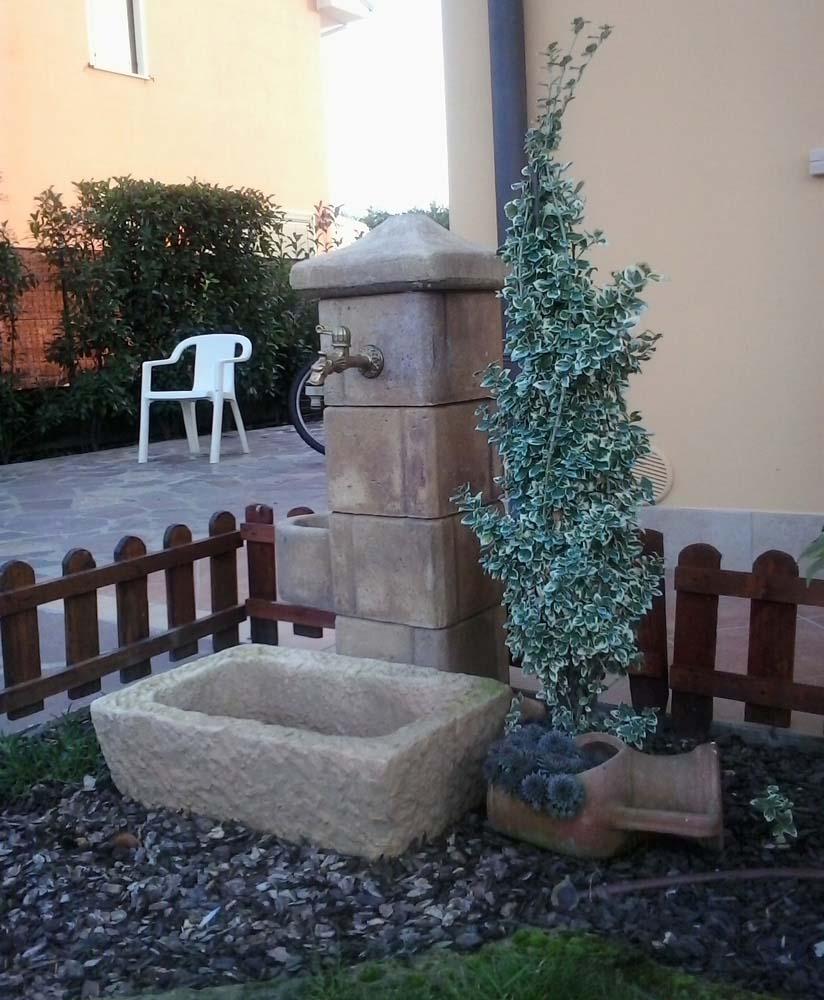 fontane angolari da giardino : Fontana pilastrello Fontane da giardino R.C. di Rinaldi geom ...