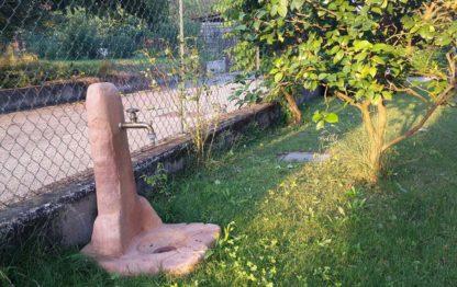 fontana fonte alla roccia easy col. mattone, cod. 03FREM, località: Casale Litta (Varese)