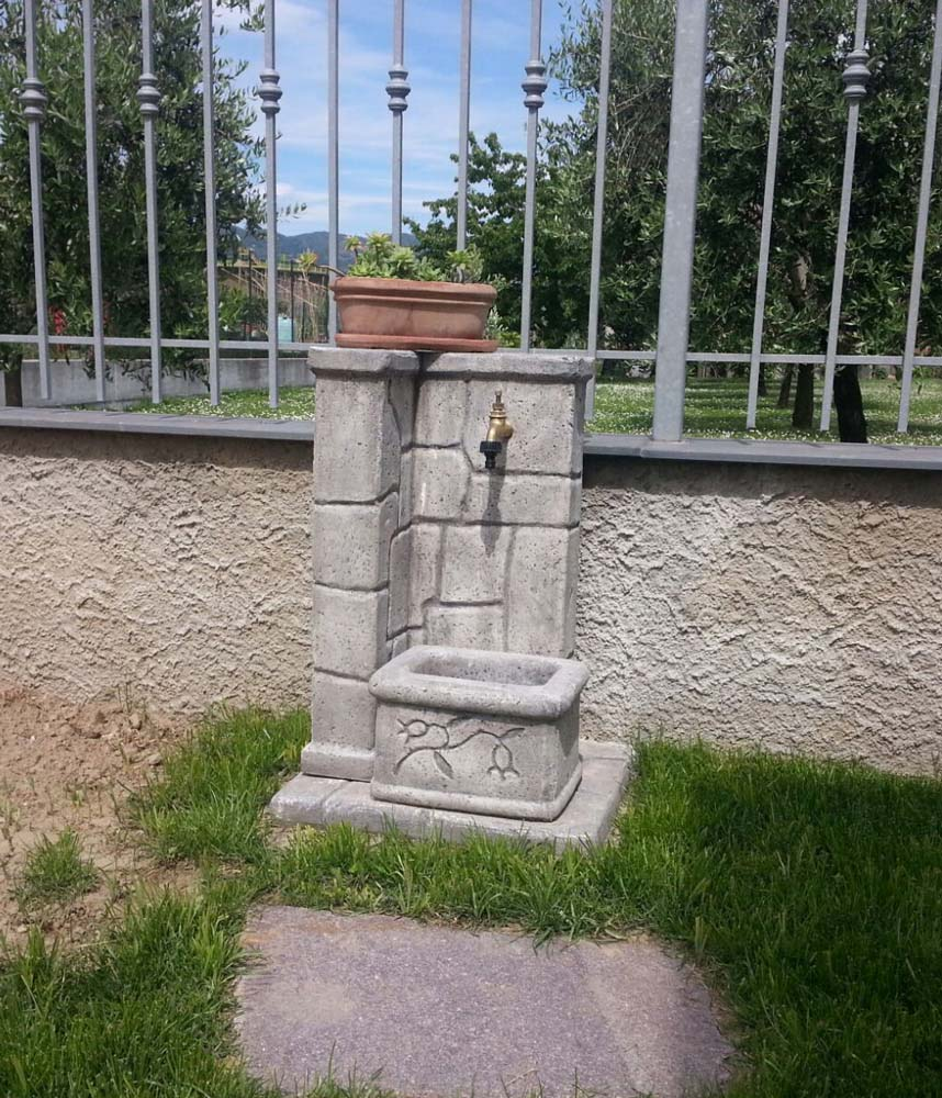 Fonte antica r c di rinaldi geom franco - Fontane a parete da giardino ...