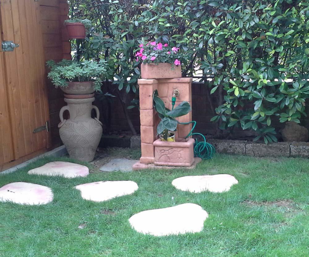 Fonte antica fontane da giardino r c di rinaldi geom - Vasche in pietra da giardino ...