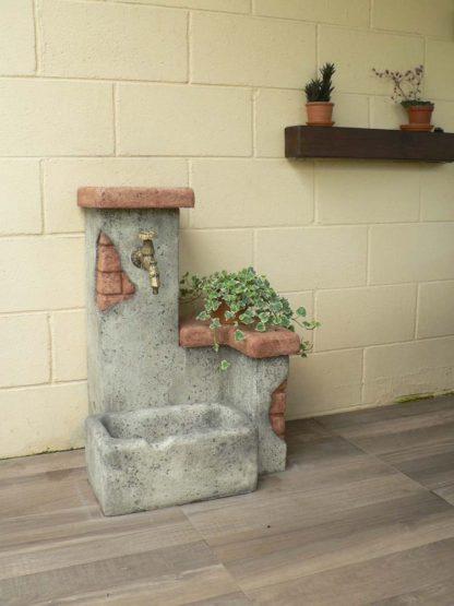 fontana fonte del casale easy col. antichizzato, cod. 03FDCEAT, località: Bulgarograsso (Como)