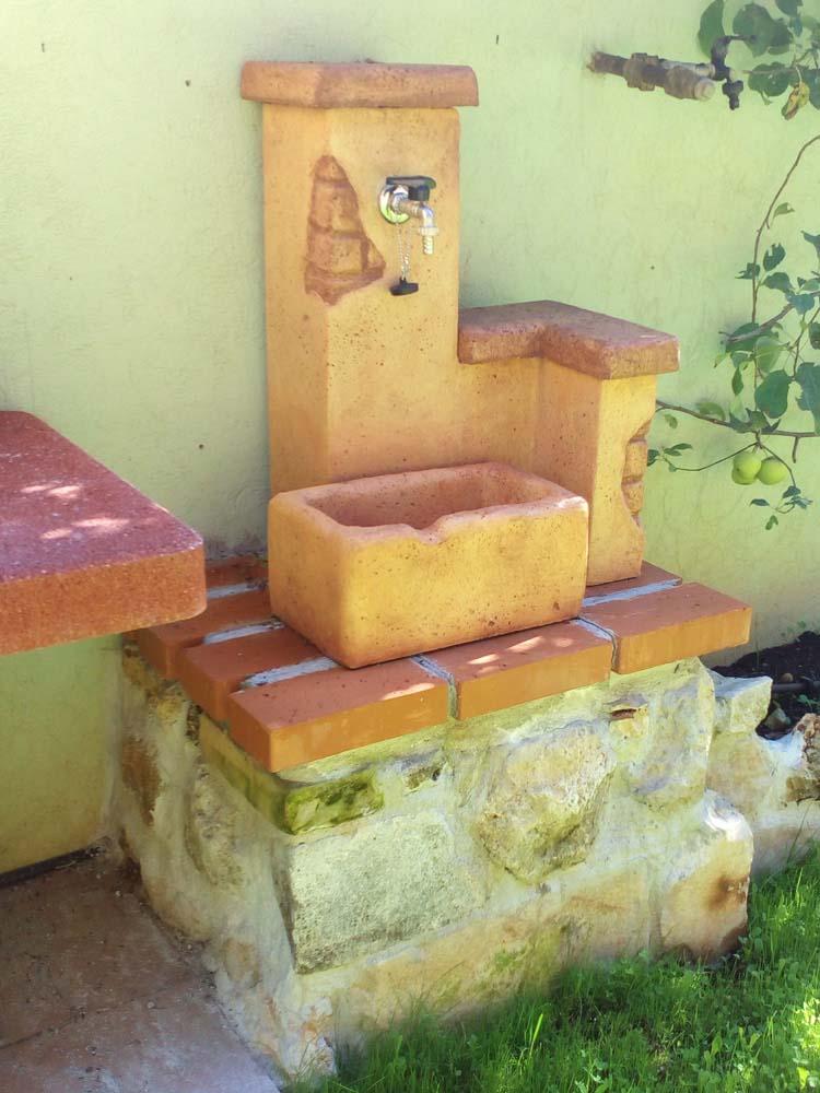 Fonte del casale easy r c di rinaldi geom franco for Prodotti da giardino