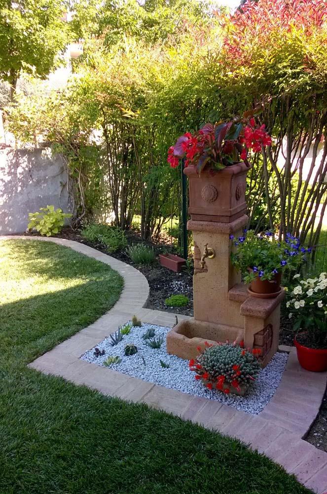 Fonte del casale easy fontane da giardino r c di rinaldi geom franco - Idee giardino in pendenza ...