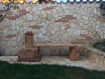 fontana fonte del casale con panchina col. pietre del borgo, cod. 03FDCPP, località: Roma