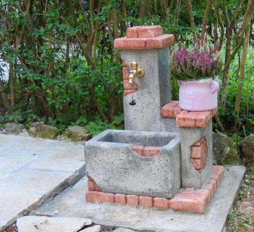 Fonte del casale r c di rinaldi geom franco - Foto fontane da giardino ...