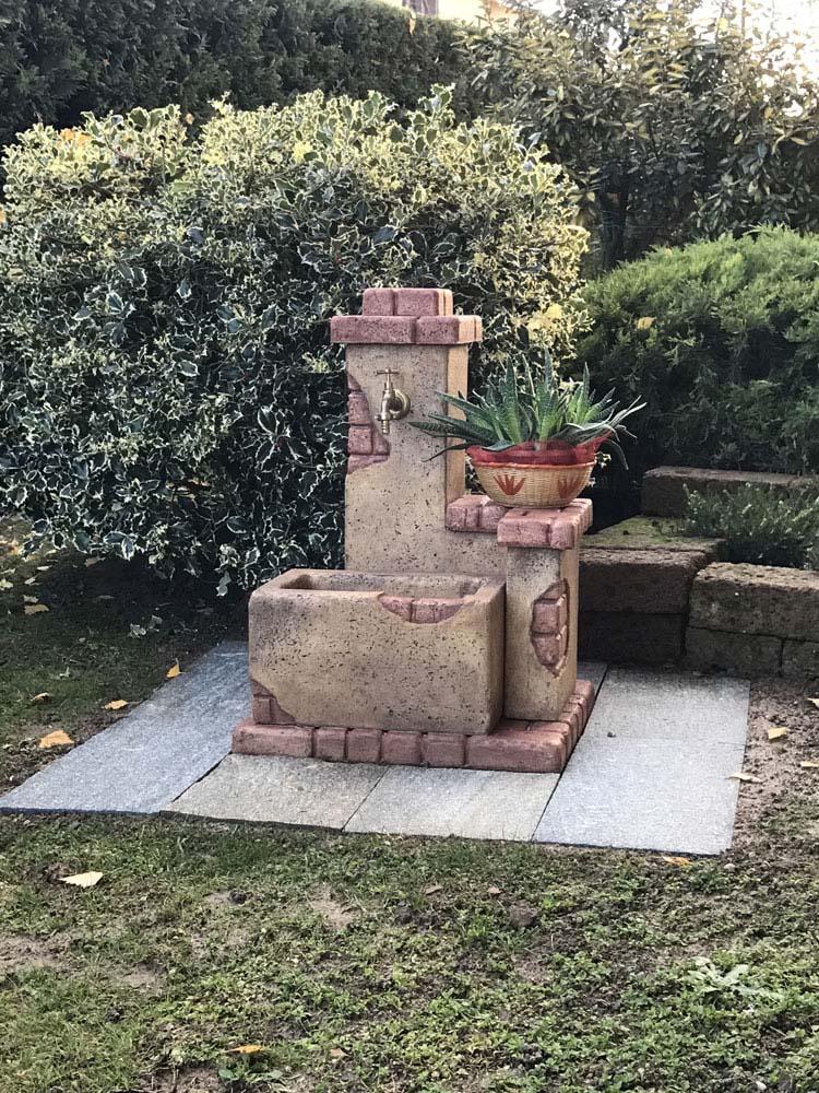 Fonte del casale r c di rinaldi geom franco for Prodotti per giardino