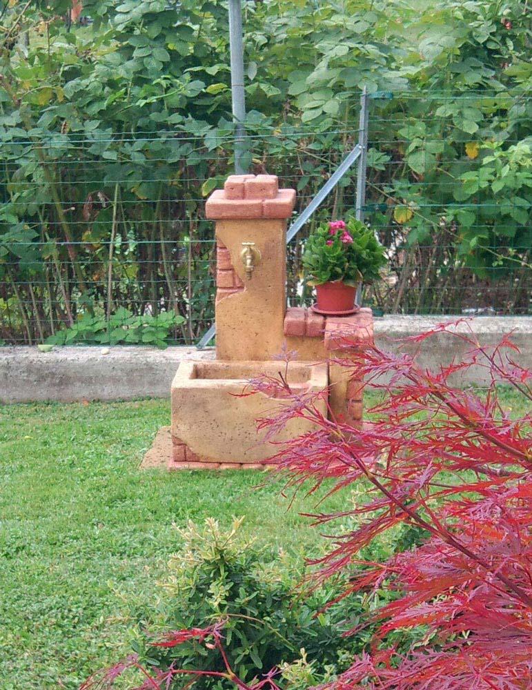 Fonte del casale  Fontane da giardino  R.C. di Rinaldi ...