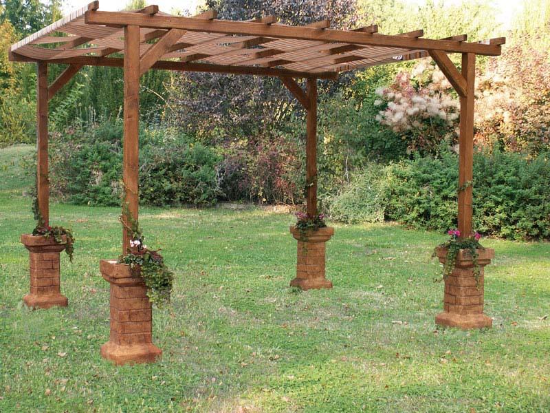 Pozzi da giardino pergole autoportanti tavoli e panchine - Pergole da giardino ...
