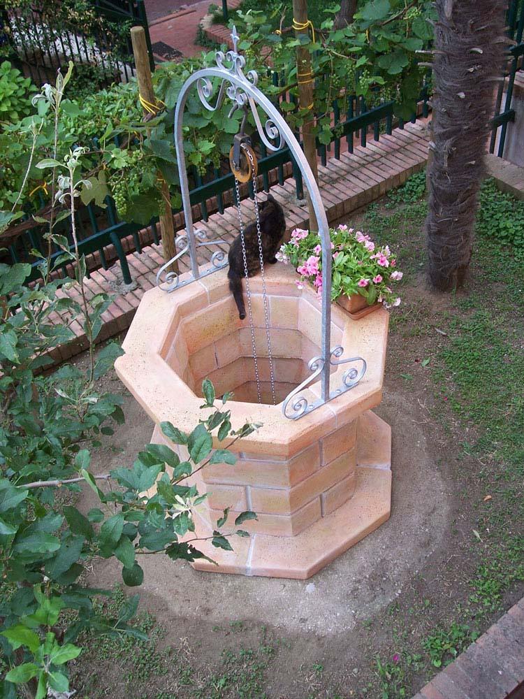 Pozzo 80 r c di rinaldi geom franco for Pozzi finti per giardino
