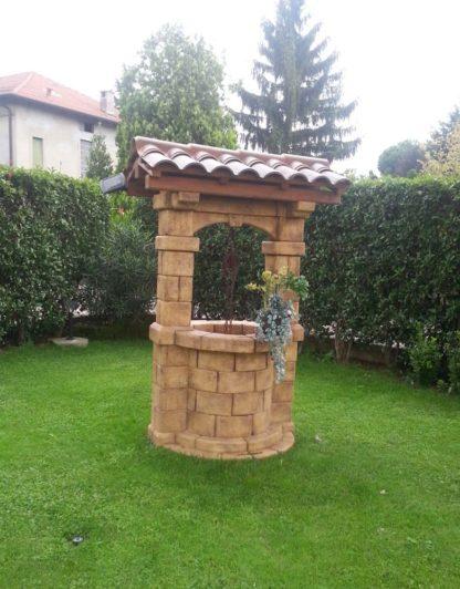 pozzo da giardino Brenta con tetto col. old stone, cod. 06PBTOS versione attuale, provincia di Varese