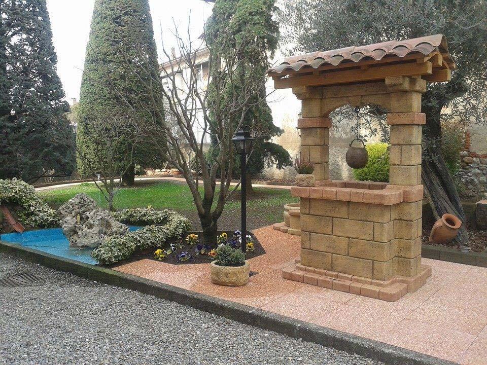 Pozzo country  Pozzi decorativi da giardino  R.C. di Rinaldi geom ...