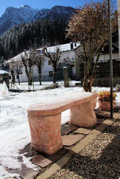 panchina roccia col. rosa antico, cod. 04PRRA, località: Campolongo di Cadore (Belluno)