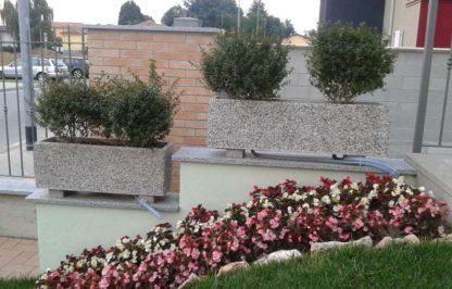 fioriera rettangolare 80x25 e 100x25 ghiaia di fiume, località: Vigevano (Pavia)
