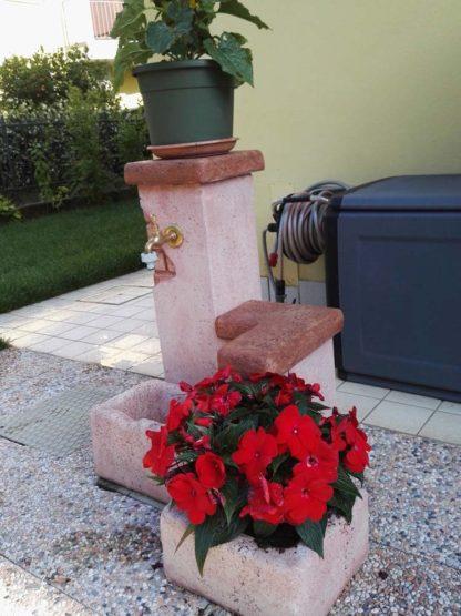vaso antico e fontana fonte del casale easy, col. rosa antico, località: San Pietro di Lavagno (Verona)